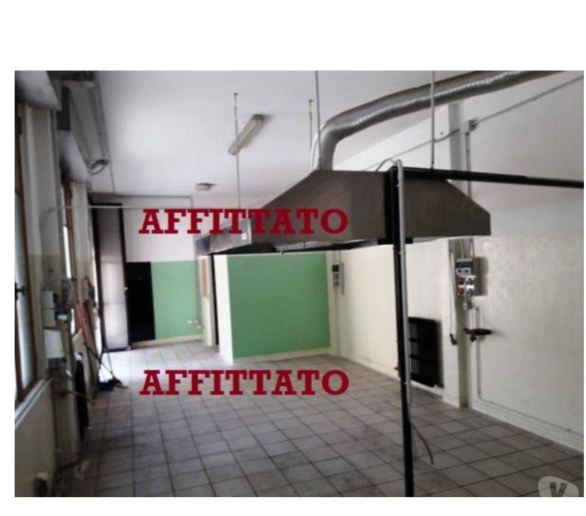 spazi commerciali Milano e provincia Milano - Foto di Vivastreet.it Laboratorio con canna fumaria Milano Comasina Val di Bondo
