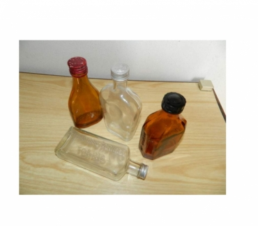 Foto di Vivastreet.it Farmacia bottiglie scatole svuotatasche