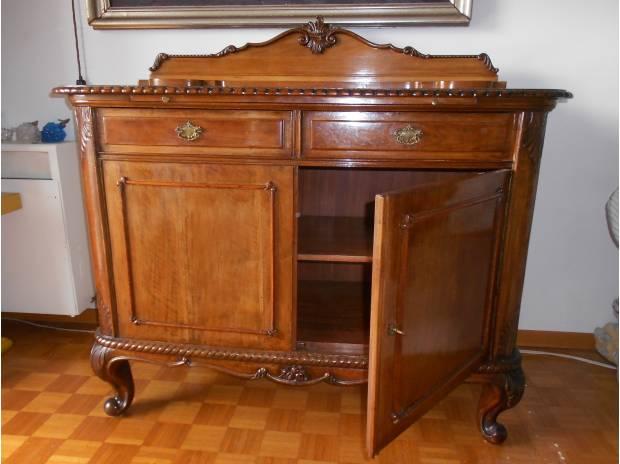 Credenza antica fine 800 in vendita trieste vendita for Compro mobili usati