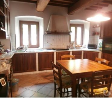 Foto di Vivastreet.it Pistoia est vendita villa ristrutturata con giardino