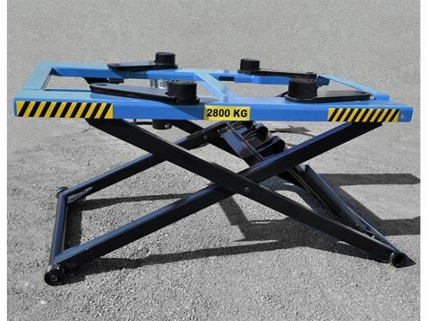 Mobili lavelli sollevatore auto a forbice for Ponte sollevatore auto 220v