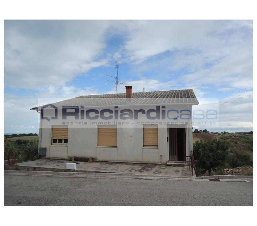 """proprietà immobiliari in vendita Ascoli Piceno e provincia Sant'Elpidio a Mare - Foto di Vivastreet.it Sant'Elpidio a Mare """"ALLA COLLINA DEL SOLE"""""""