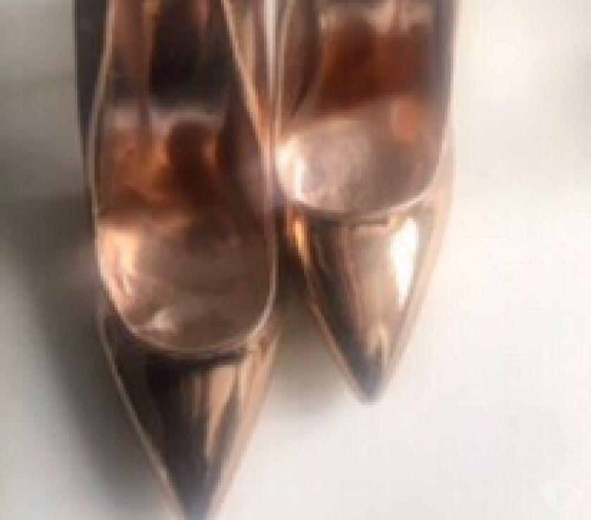 abbigliamento e accessori moda Milano e provincia Desio - Foto di Vivastreet.it Scarpe donna oro tacco alto