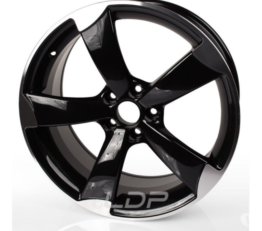 "Foto di Vivastreet.it Pack Cerchi LDP 17"" Black + Gomme"