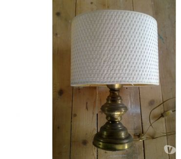 Foto di Vivastreet.it Lampada Ovale in metallo e stoffa