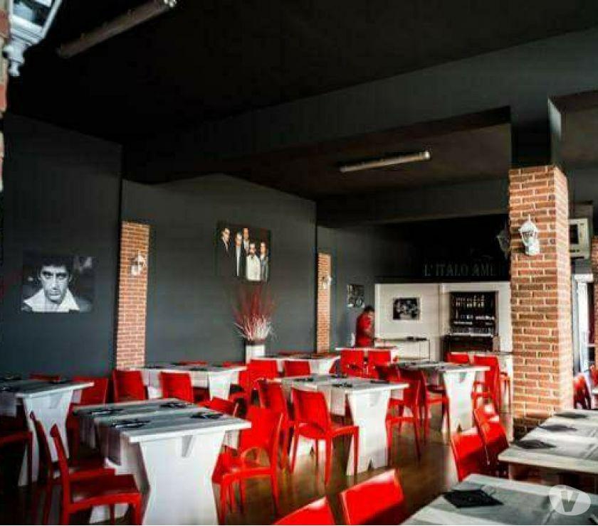 Foto di Vivastreet.it Banchi bar ristoranti con sedie e tavoli