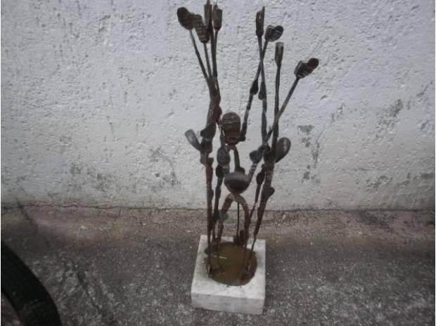 Oggetti d'artigianato Vicenza e provincia Vicenza - Foto di Vivastreet.it scultura in ferro battuto fiori-petali