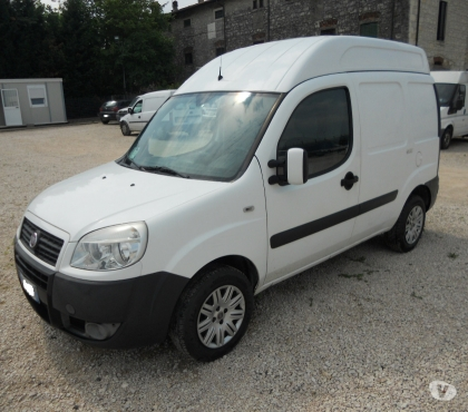 Foto di Vivastreet.it FIAT DOBLO' 1.6 16 V NATURAL POWER TETTO ALTO