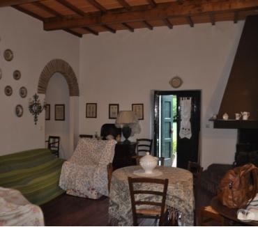 Foto di Vivastreet.it Stia vicinanze villetta 8 vani, 2 bagni e giardino €. 115