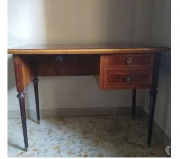 Foto di Vivastreet.it Piccola scrivania anni 60