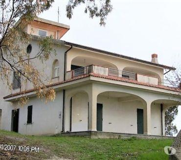 Foto di Vivastreet.it Villa panoramica, spaziosa e luminosa al Monte di Cassano