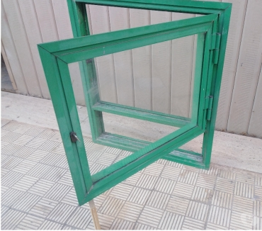 Foto di Vivastreet.it Finestra infisso con telaio in alluminio vetro serratura