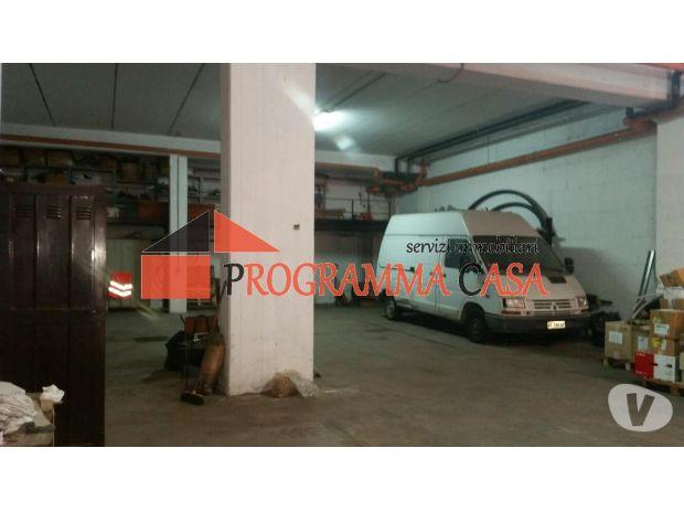 Foto di Vivastreet.it Pomezia magazzino 200 mq. deposito padiglioni r v5