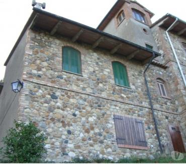 Foto di Vivastreet.it Toscana - castello di Querceto (Pisa) vendesi rustico