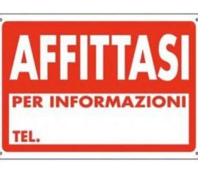 spazi commerciali Bergamo e provincia Mozzo - Foto di Vivastreet.it Mozzo laboratorio di 100 mq al piano terra, h 3 metri