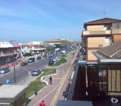 Foto di Vivastreet.it torvaianica centro attico 40 mq. balcone