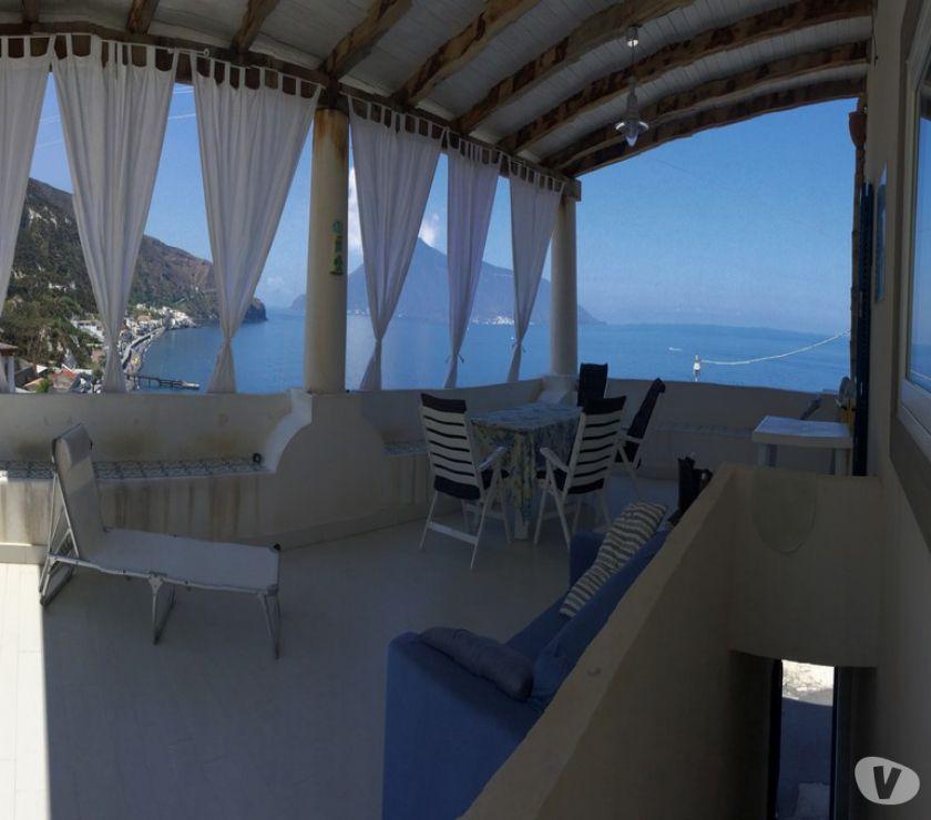 Foto di Vivastreet.it Lipari vendesi villa panoramica in zona balneare,turistica,