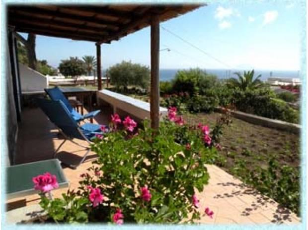 Foto di Vivastreet.it appartamento con terrazza e giardino a S.marina Salina