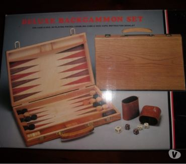 Foto di Vivastreet.it Backgammon in legno con valigetta