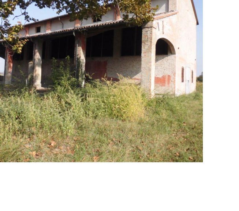 Foto di Vivastreet.it Rustico indipendente da ristrutturare con terreno Baganzola