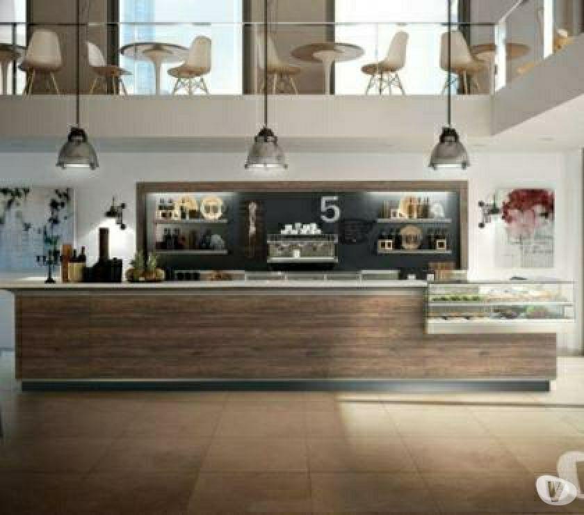 Foto di Vivastreet.it Banco bar Caffè,tavola fredda con sedie e tavoli