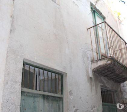 Foto di Vivastreet.it Lipari Casetta su due livelli da ristrutturare