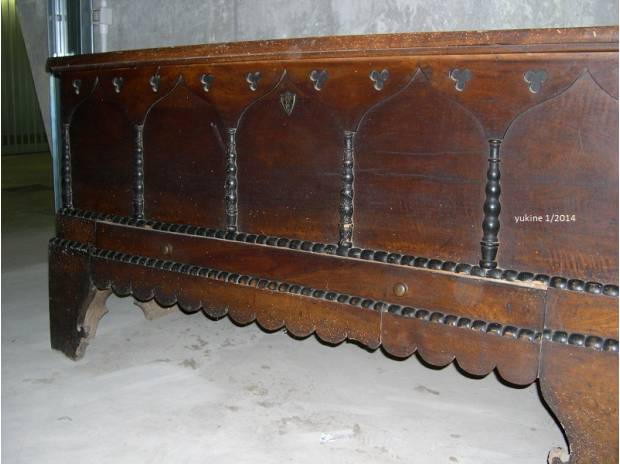 Cassapanca antica in noce fine 800 intagliata milano for Cassapanca 800 noce