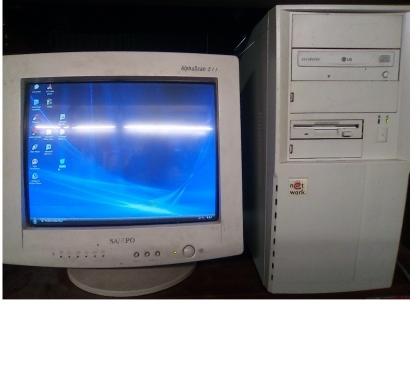 Foto di Vivastreet.it Computer fisso pc pentium 4 IV windows xp ram masterizzatore