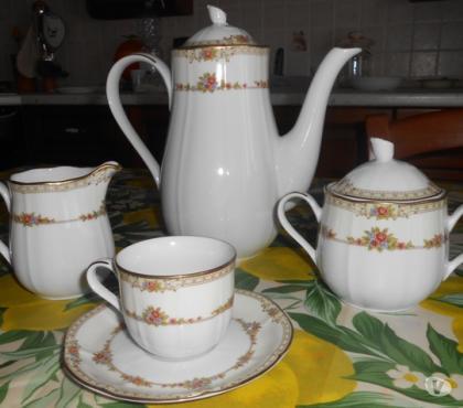 Foto di Vivastreet.it Servizio da caffe porcellana embossed