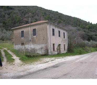 Foto di Vivastreet.it Rif. 107 casale in Altrocanto di Narni