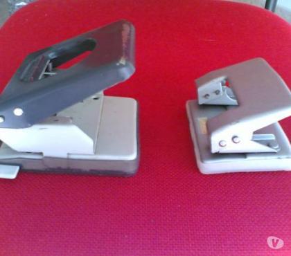 Foto di Vivastreet.it Perforatrici a due fori - 2 pezzi