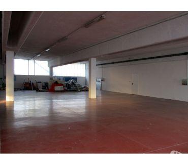 Foto di Vivastreet.it Albino, laboratorio di 550 mq, h 4 metri, p. seminterrato