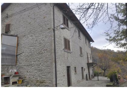 Foto di Vivastreet.it Serravalle porzione Casa vani 9 + resede €.180.000.