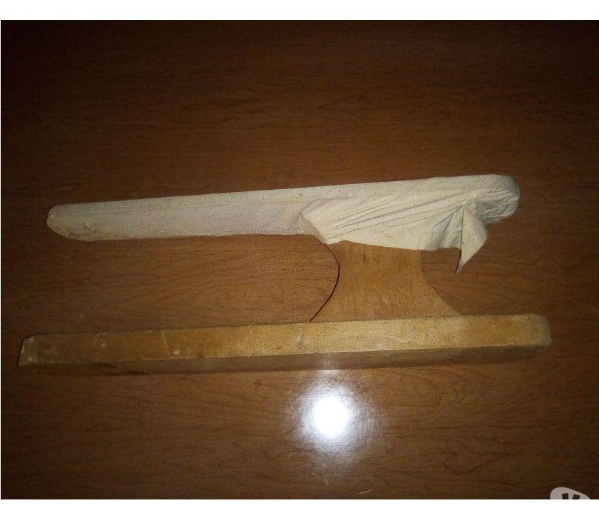 Foto di Vivastreet.it Asse da stiro in legno antico vintage ferro da stiro sartori