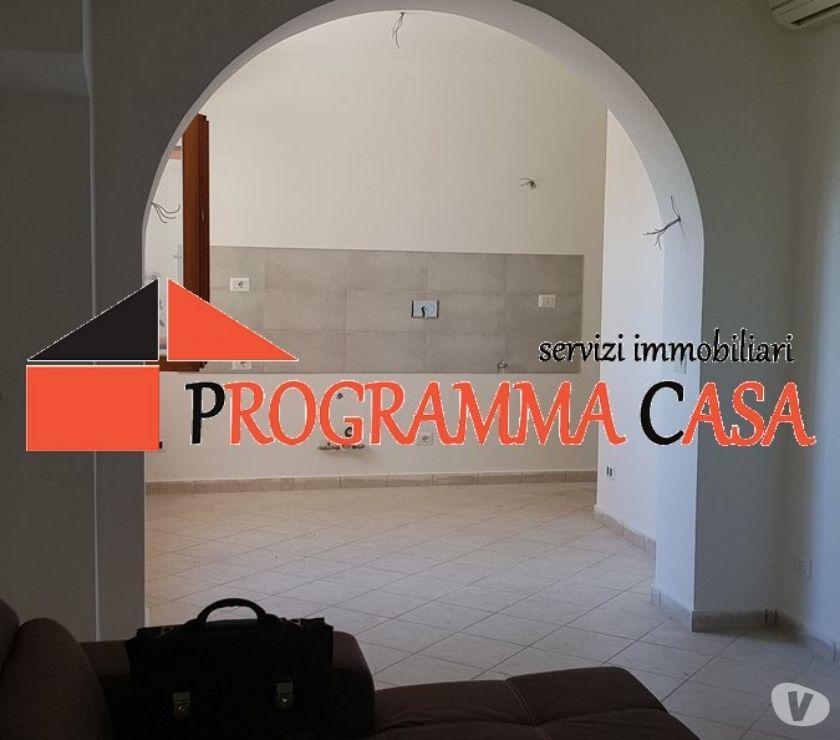 Foto di Vivastreet.it POMEZIA VIA NARO 4 PIANO 2 LOCALI INVESTIMENTO 59000 €