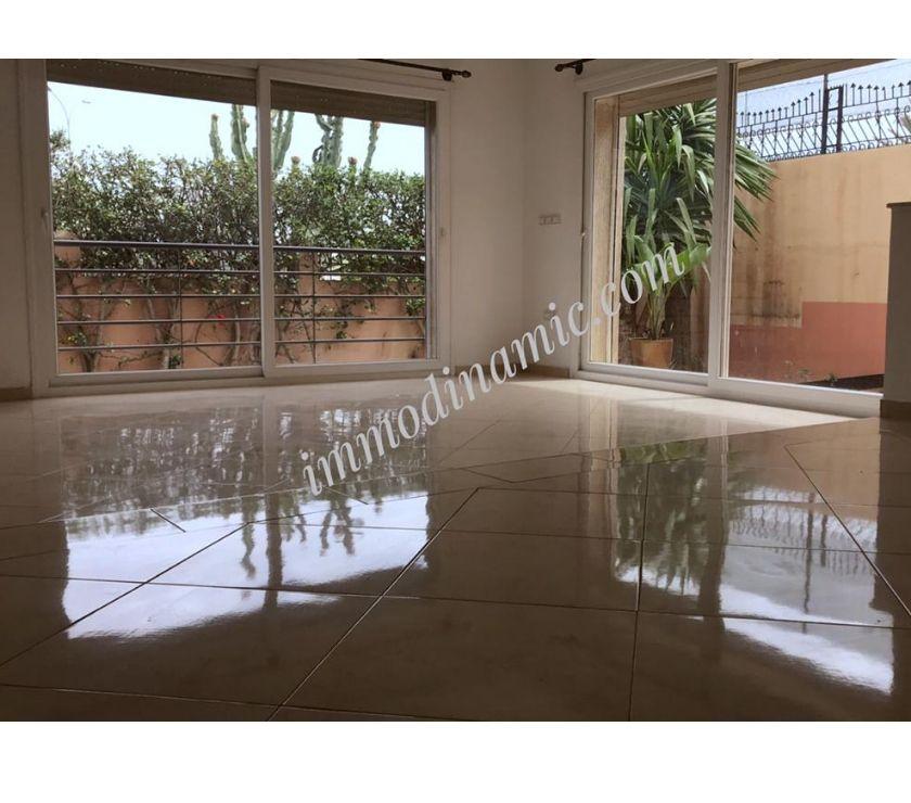 Location Appartement - Maison Agadir - Photos pour villa vide à founty sonaba ensoleiller avec jardin