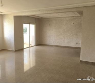Photos pour Ain Diab: Location appartement vide 170m² avec 3 chambres.