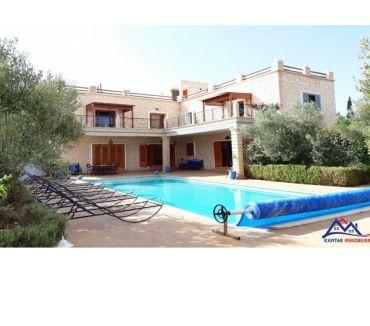 Photos pour Villa en pierre avec piscine