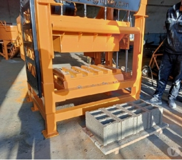 Photos pour Machine parpaing, fabrication des blocs