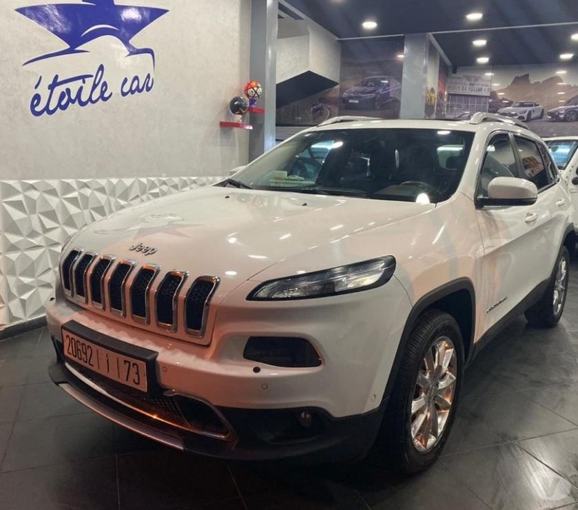 Voiture Occasion Casablanca - Photos pour Jeep cherokee limited 4*4