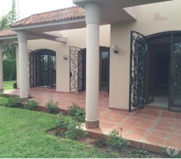 Photos pour Jolie Villa à louer avec chauffage central à Souissi RABAT